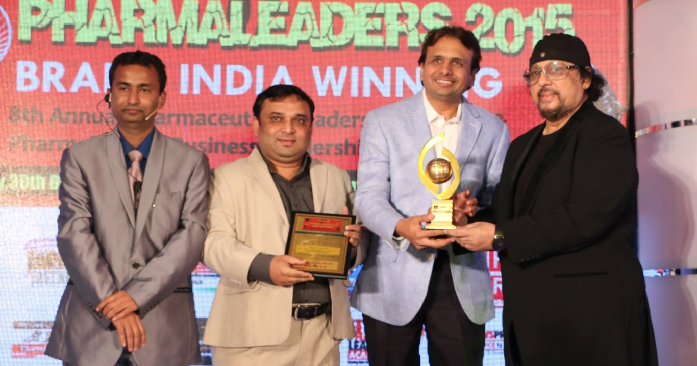 """Akumentis Healthcare awarded as """"India's Most Watched Company of the Year 2015″ at Pharma Leaders Annual Meet 2015"""