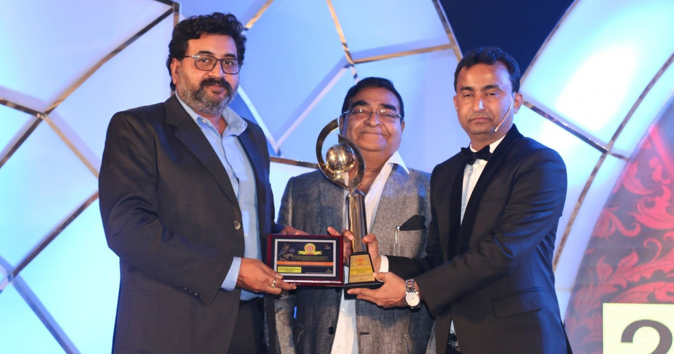 "Shreya Life Science ends 2016 with Double Awards, founder Chairman Sujit Singh voted as ""Visionary Entrepreneur of the Year"" while dynamic Sheel Kumar Singh was awarded as ""Inspiring Business Leader of the Year 2016"" at Pharma Leaders Power Brand Awards"